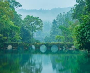尊享貴州山水高端品質雙動五日游