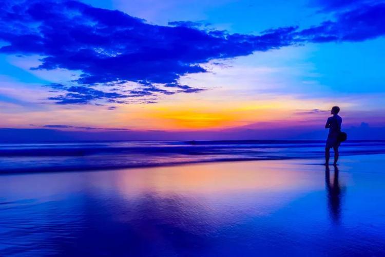 【藍灣巴厘】——12月青島去巴厘島雙飛7天5晚(2晚豪華獨棟泳池別墅+3晚豪華國際五星酒店)